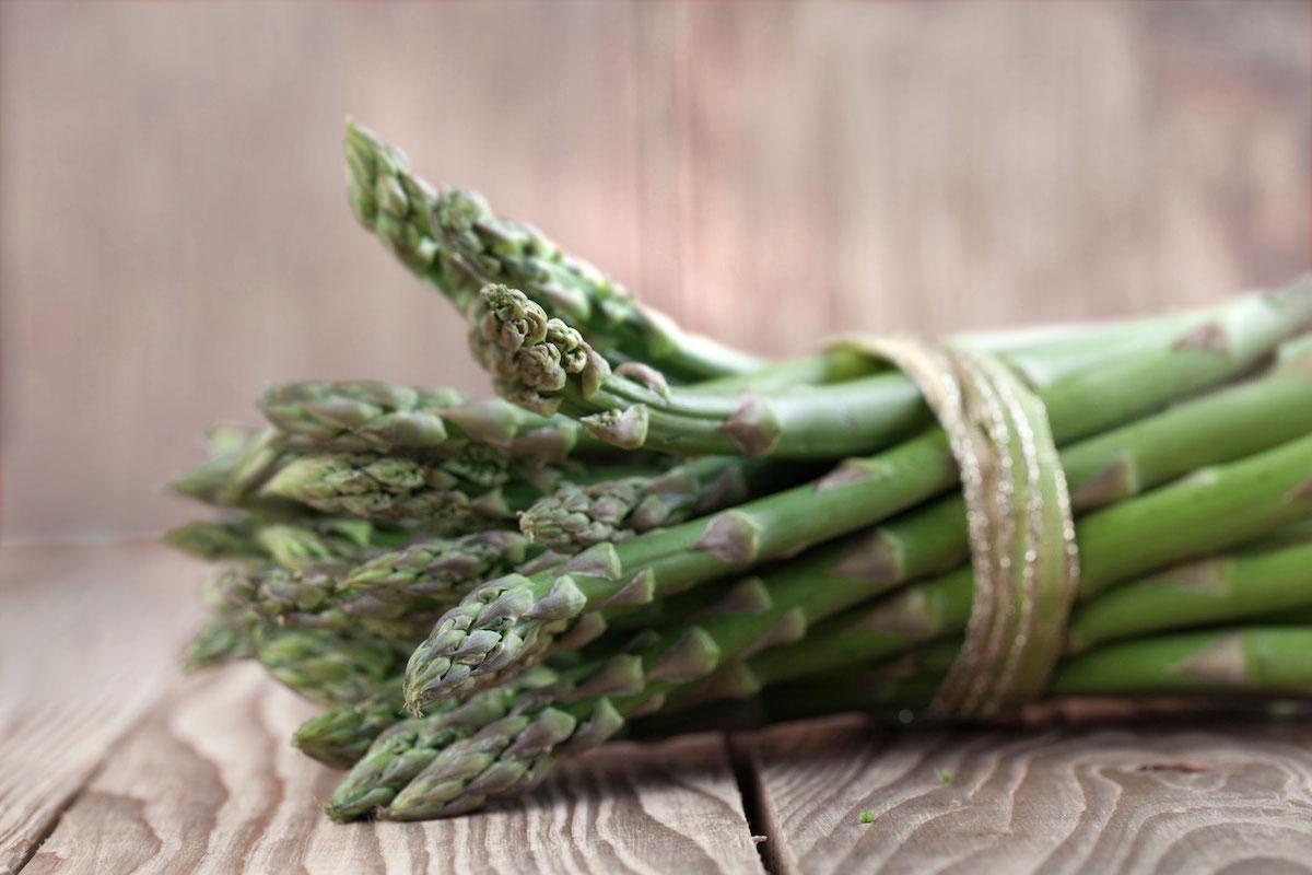 fresh-asparagus-1200×800